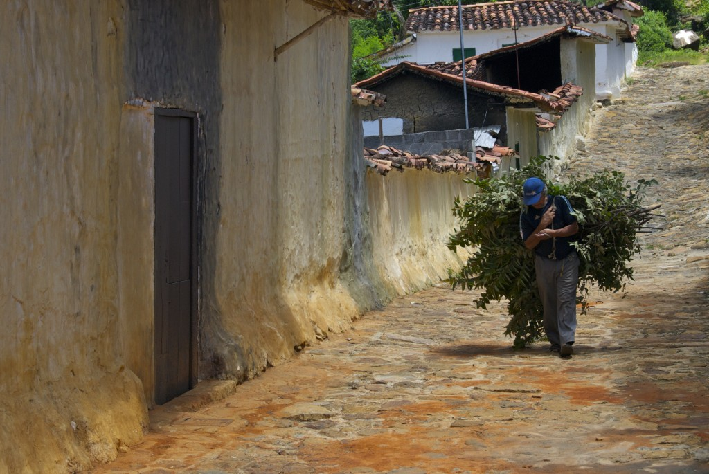 guy working in Barichara, Colombia