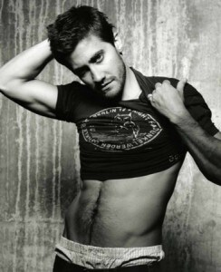 jake gyllenhaal sexy and shirtless
