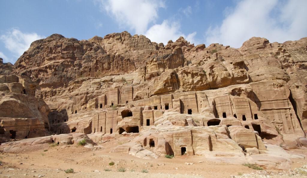 mountainside homes petra jordan