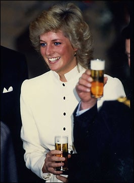 not easy finding a pic of Di' with beer...