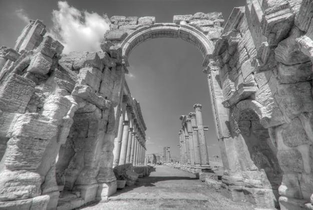 Palmyra entrance gates in B&W