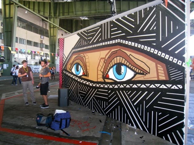 art at berlin music festival at tempelhof airport 2011