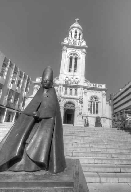 monaco church and statue
