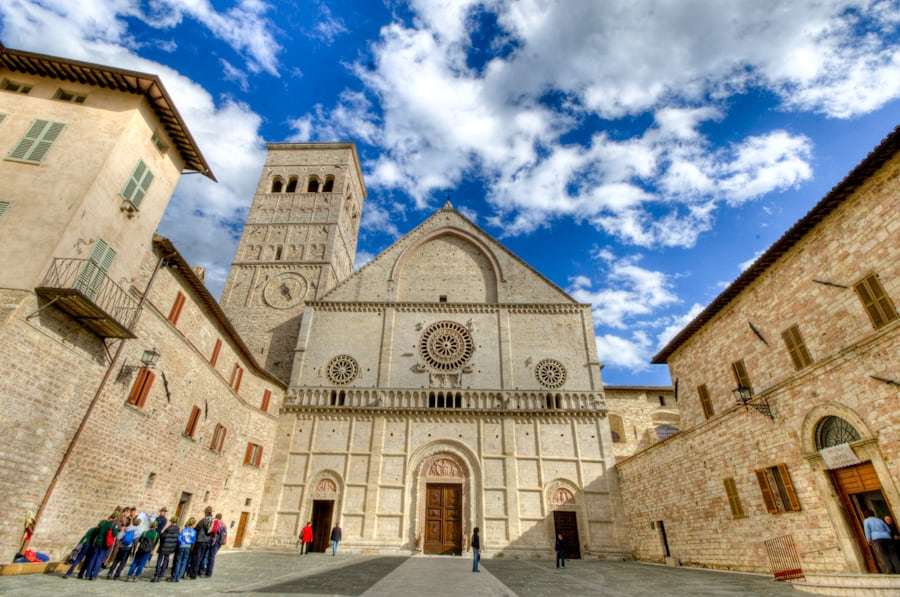 italian church in assisi