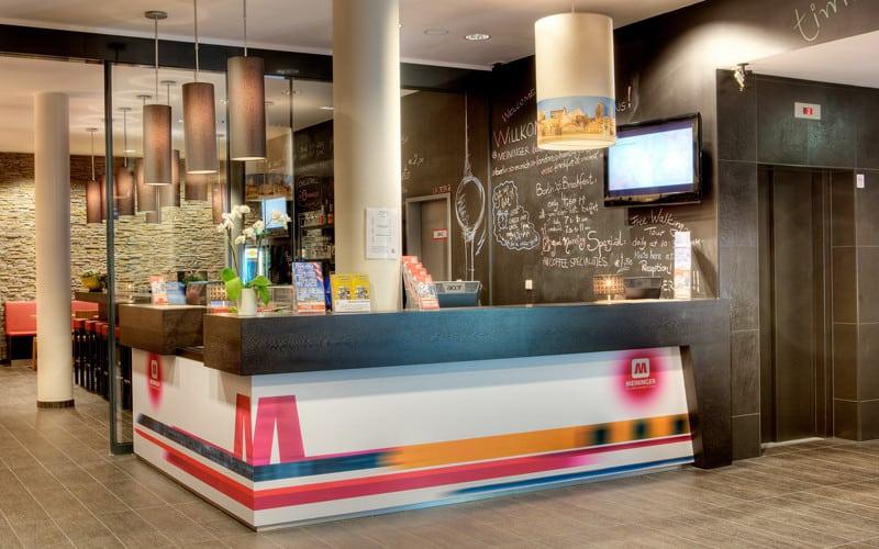meininger hotel lobby in berlin
