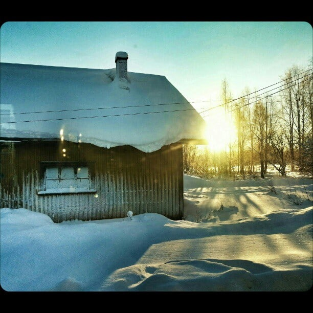 Early_morning_sunshine_from_the_train_window_in_Lapland.__gsw__OurFinland
