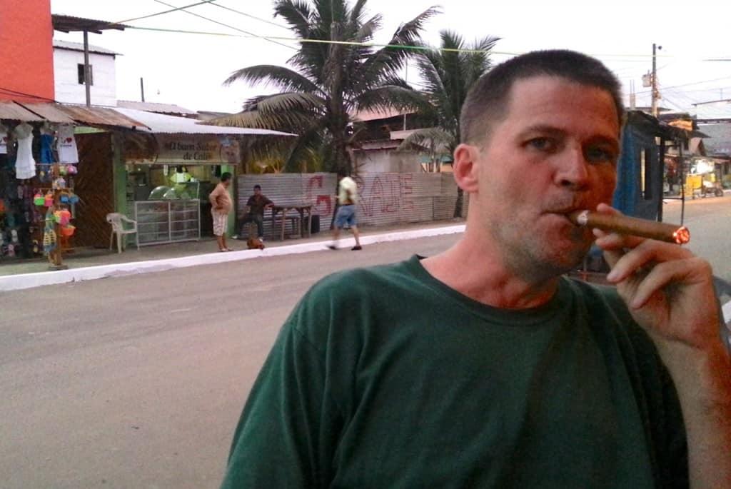 msh smoking cigar ecuador