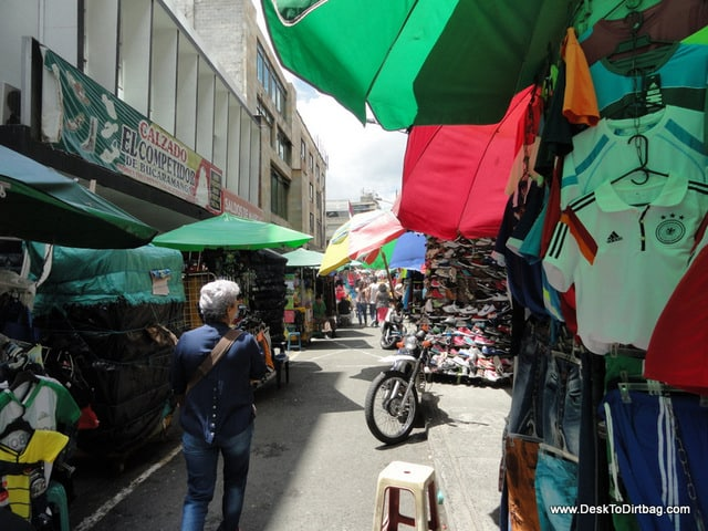 El Hueco street stall shopping in El Centro.