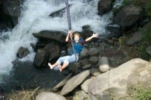 female bridge jumping banos, ecuador