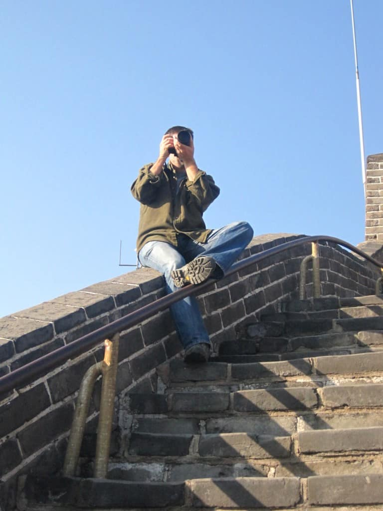 michael hodson photographing on great wall of china