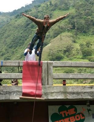 michael hodson bungee banos ecuador bridge