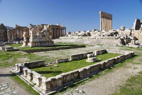 Jupiter temple steps Baalbek