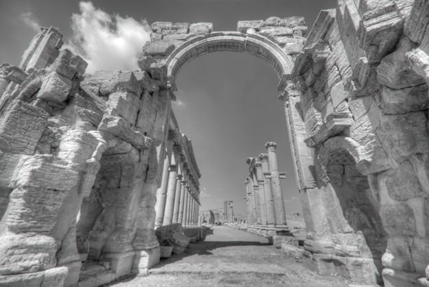 Palmyra entrance gates in B&W