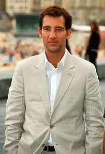 Clive Owen in a suit