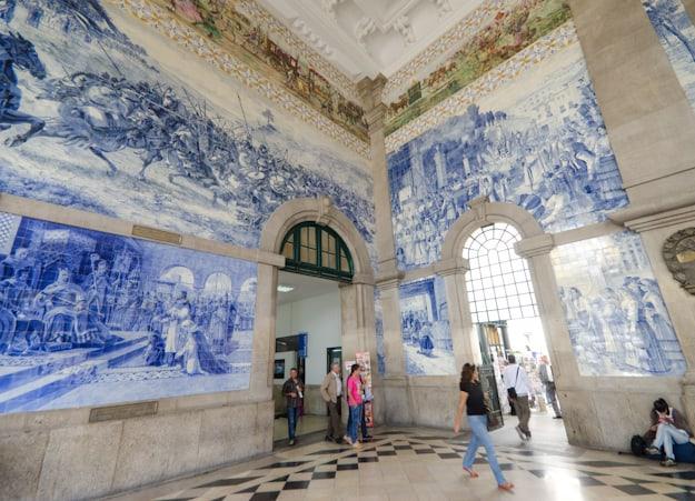 murals in São Bento train station Porto Portugal