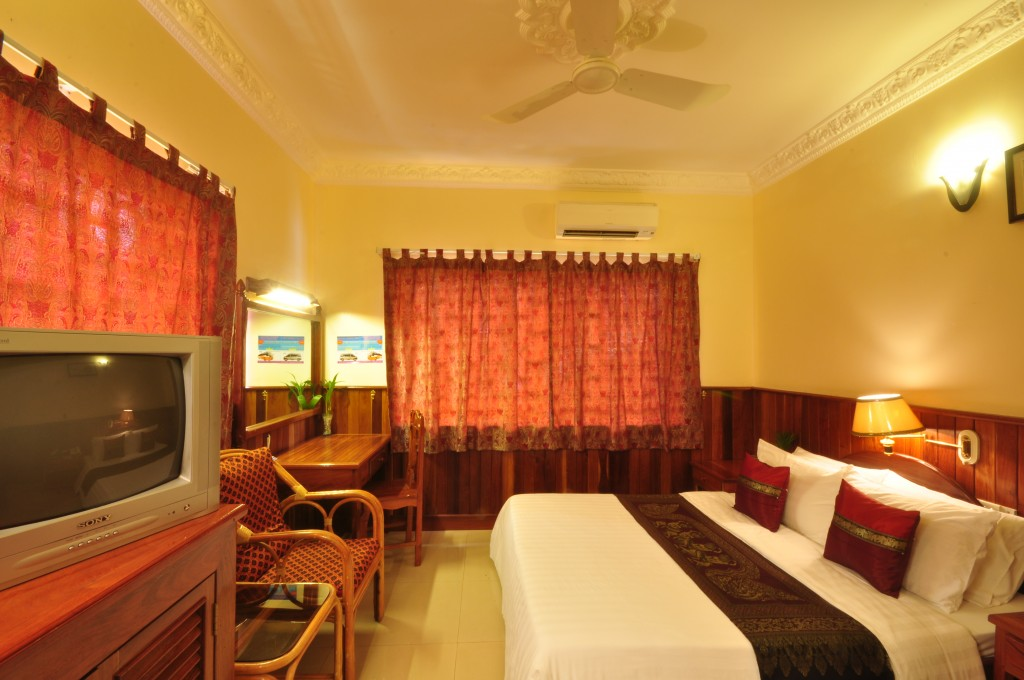 motherhome guest house room siem reap cambodia