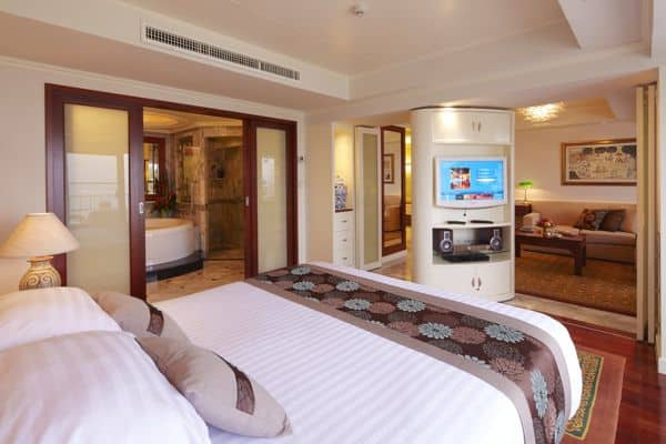 Royal Wing  hotel Suite