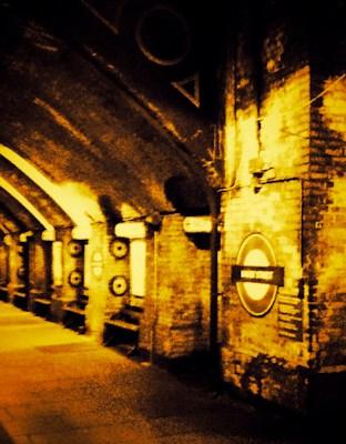 baker street london underground sign