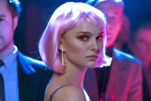 natalie  portman pink hair, closer movie scene
