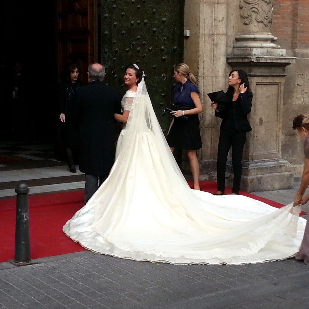 long white wedding dress on bride in valencia