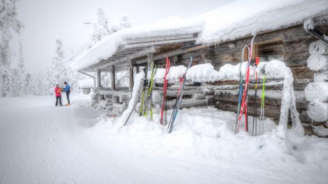ski lodge movie crop 640