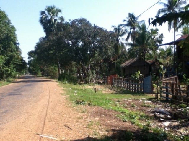 Bicycling along the Mekong Discovery Trail