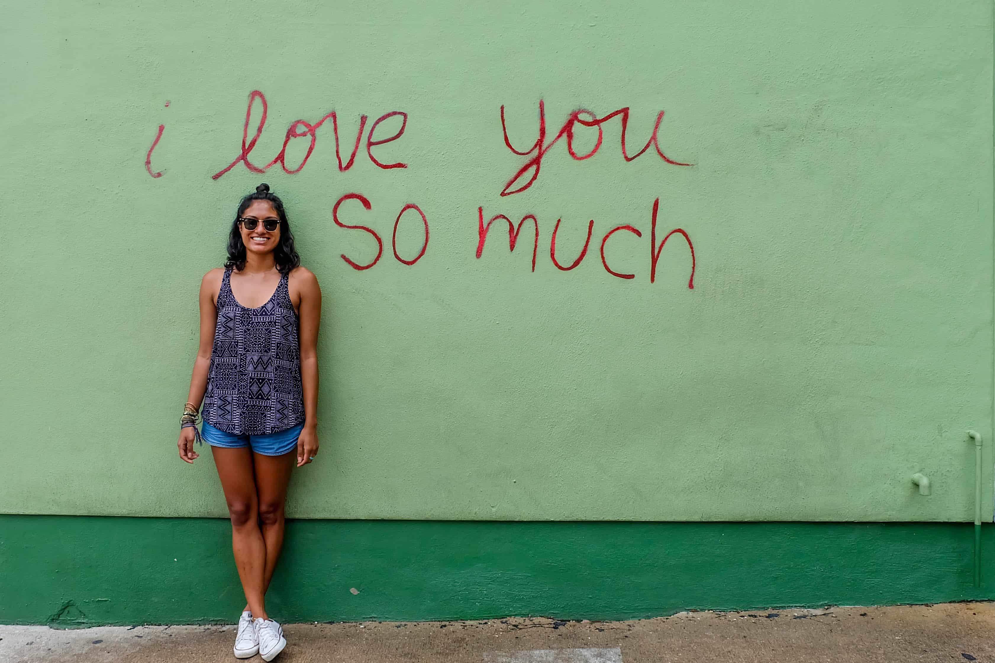 """""""I love you so much"""" graffiti"""