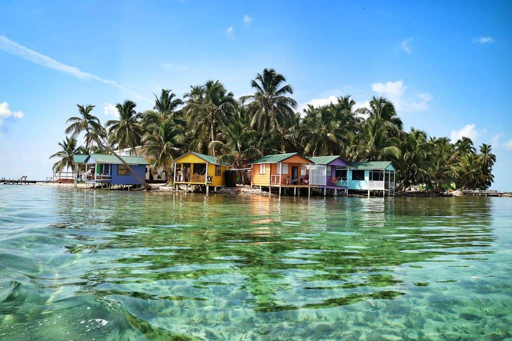 Places to stay in Belize: tobacco caye