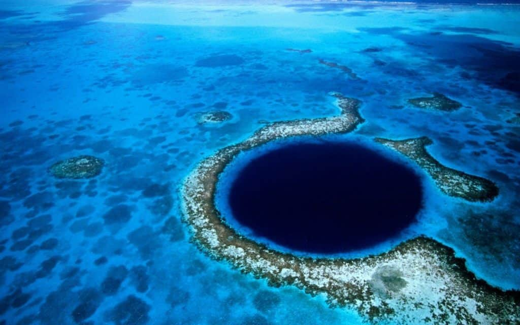 Scuba diving locations in Belize