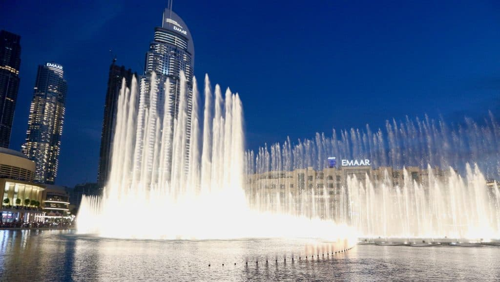fountain shows at the Dubai Mall
